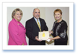 President General Merry Ann Wright, Shari Thorne-Sulima and Fernando Rivera